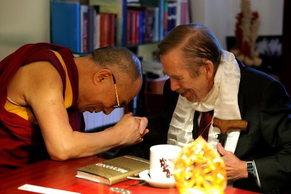 Setkání Václava Havla s tibetským dalajlámou