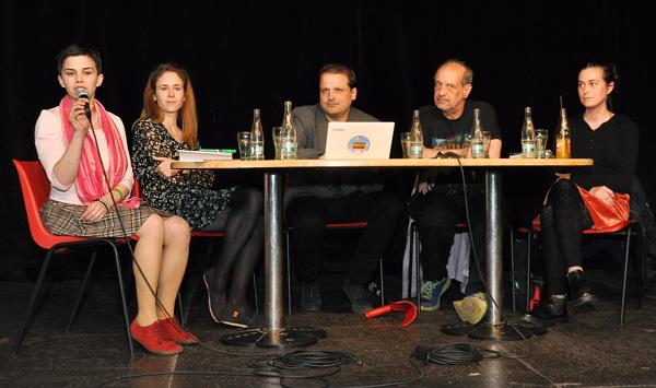 Stůl debatujících
