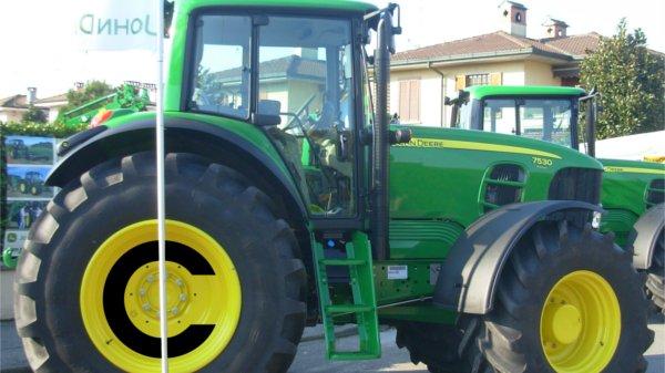 Zemedelci Nemohou Opravovat Traktory Kvuli Kopirovacimu Monopolu