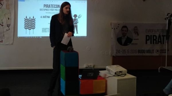 piratecon-posvar-main